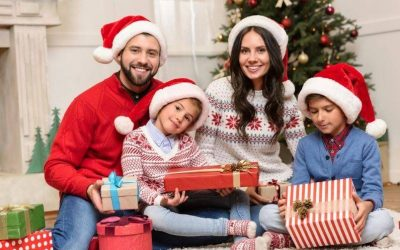 42 Magical Christmas Traditions to Start with your Family this Year